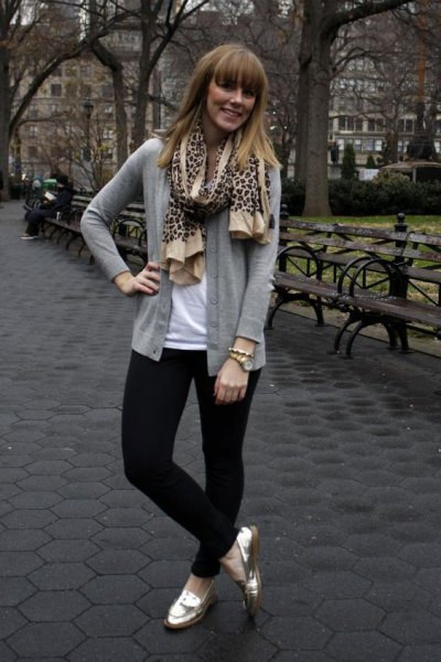 gray cardigan with scarf with leopard print and gold slippers
