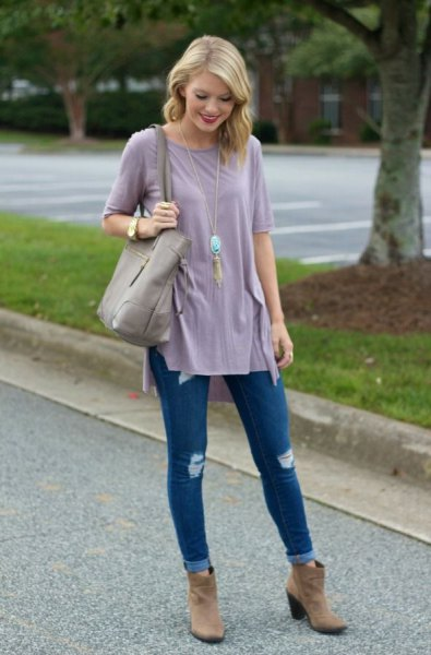 gray chiffon tunic top with dark blue skinny jeans