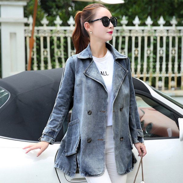 gray flared denim jacket with light pink skinny jeans