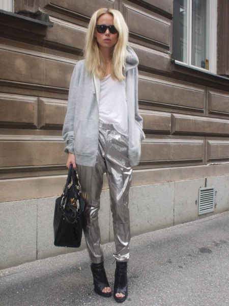 gray hooded jacket with silver Metallichose