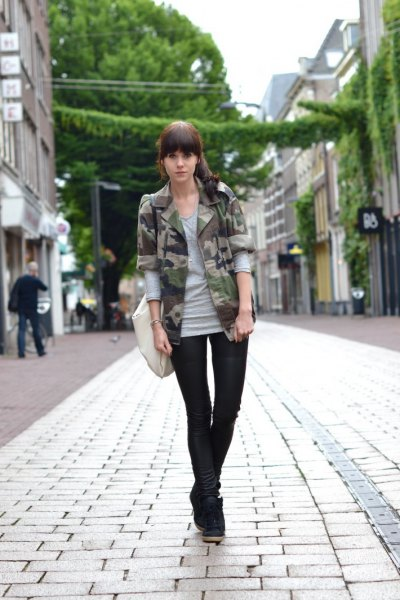 gray long sleeve t-shirt camouflage blazer