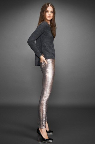 gray long-sleeved T-shirt with silver tube trousers