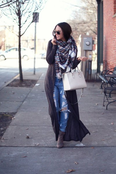gray maxi sweater with checked scarf and boyfriend jeans