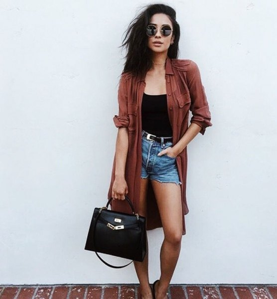 gray midi shirt with buttons, black tank top and high denim shorts