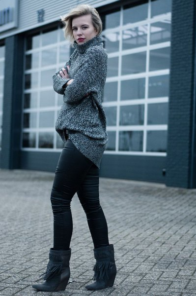 gray, coarsely cut knitted sweater with mock neck and black wedge boots made of wide calfskin
