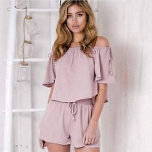 gray off-the-shoulder short-sleeved blouse with flowing mini-shorts