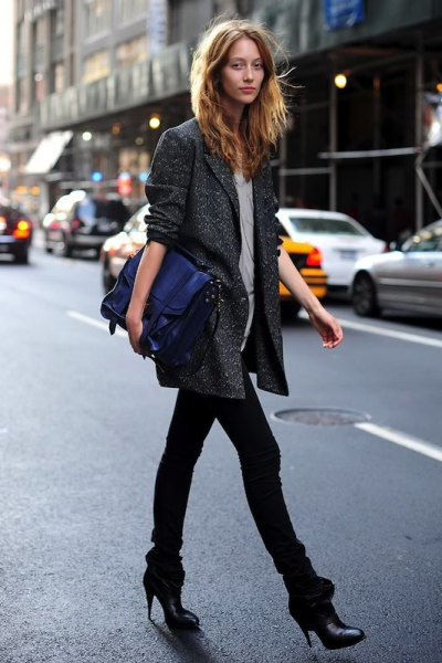 gray oversized blazer with light pink blouse and slim cut black jeans