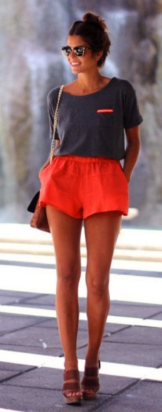gray t-shirt with scoop neckline and flowing shorts