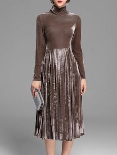 gray silk long-sleeved pleated dress with stand-up collar