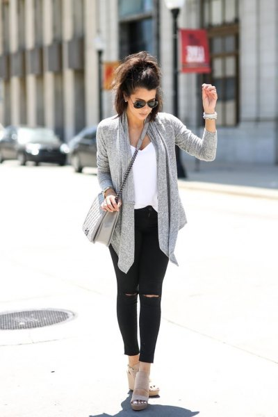 gray cardigan with black ankle jeans and suede boots with open toes