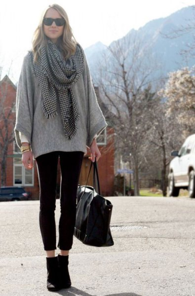 gray sweater with checked scarf and short leggings