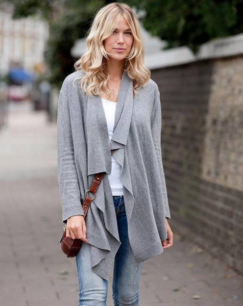 gray waterfall cashmere cardigan with skinny jeans