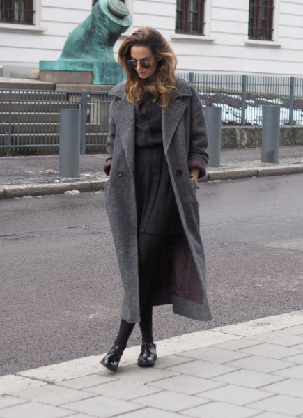 gray wool maxi coat with shirt with buttons and pleated mini skirt