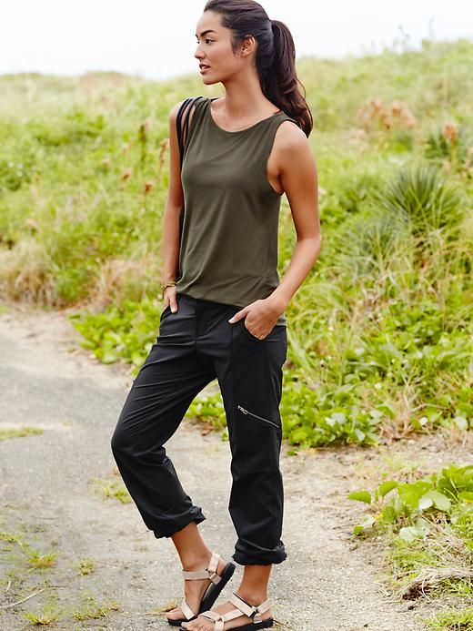 Unbeatable Hiking Outfit Ideas You Will Love – Lia Mar