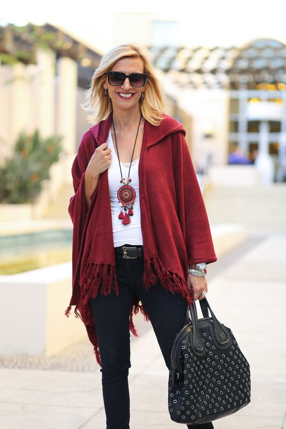 Hooded poncho red