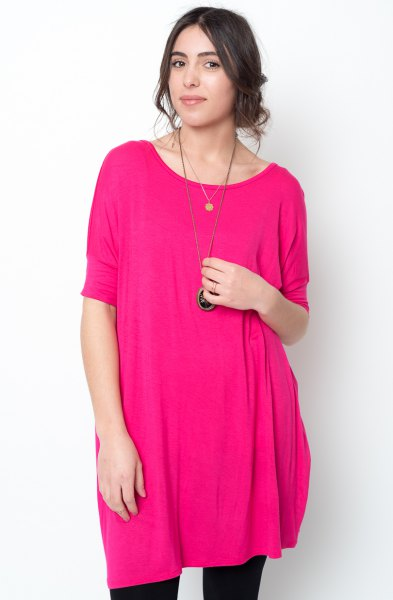 Pink summer tunic with black leggings