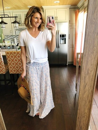 What to Wear on Vacation // Casual Beach Outfit // White Top + .