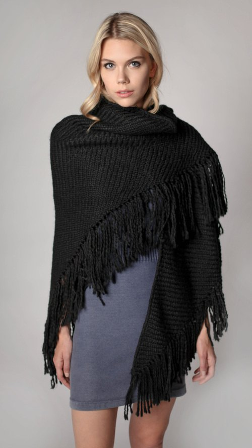 How to Style Black Shawl: 15 Feminine Outfit Ideas - FMag.c