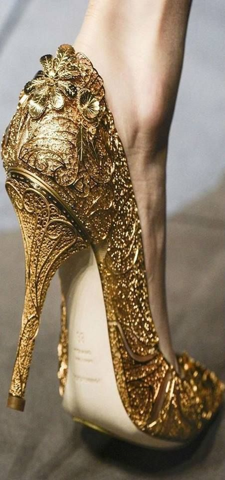 Dolce and Gabbana Baroque Style Gold shoe | Heels, Gorgeous shoes .