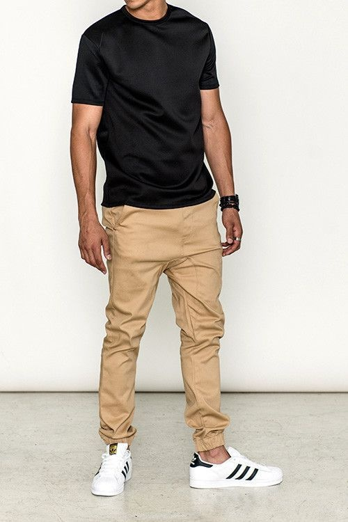 Which type of shirts go well with khaki joggers? - Quo