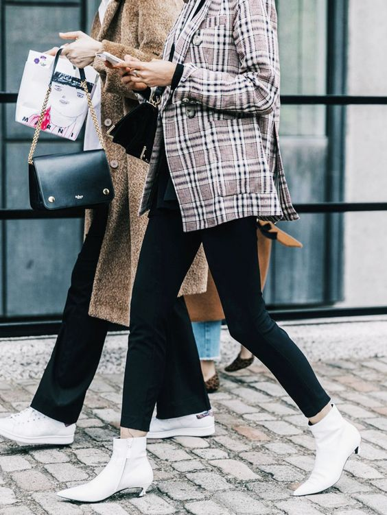 Kitten Heel Boots Comeback: The IT Shoes Of 2018 – The Fashion Tag .
