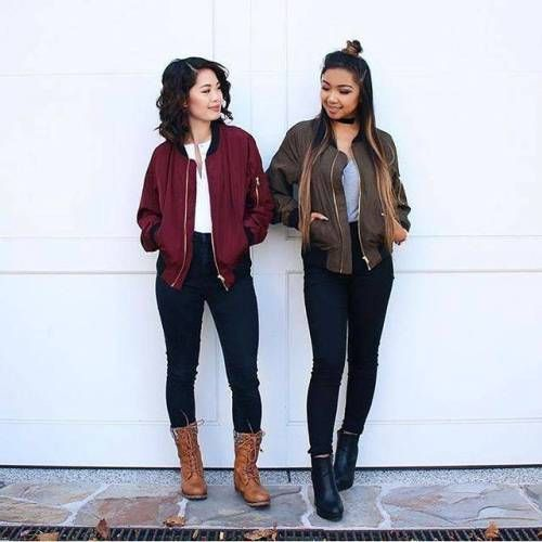 How to wear pink with burgundy | Burgundy jacket outfit, Maroon .