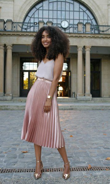 How to Style Pink Pleated Skirt: 13 Attractive Outfit Ideas - FMag.c