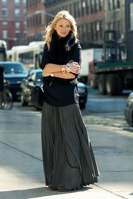 30+ Ways To Style a Pleated Skirt – Closetful of Cloth