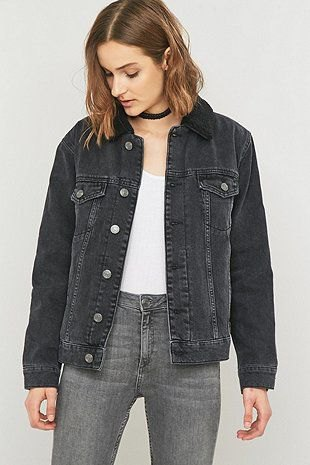 How to Style Black Denim Jacket for Women: Outfit Ideas - FMag.c
