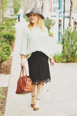 Black Lace Skirt - How to Wear and Where to Buy | Chictop