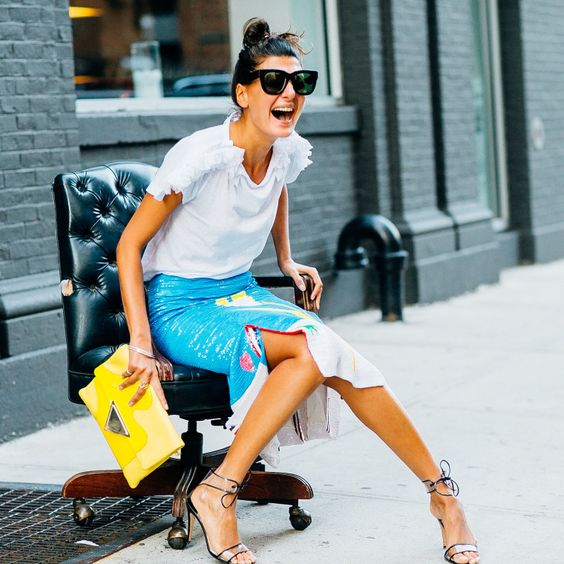 How to Wear Blue and Yellow Together: Top Outfit Ideas - FMag.c