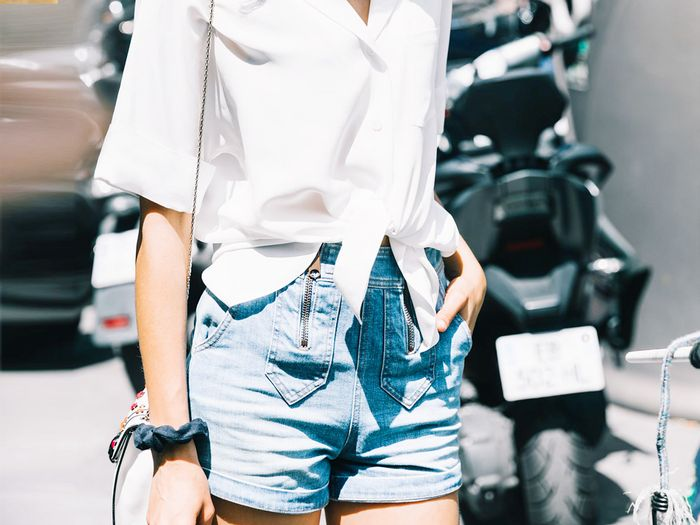 6 Flattering Denim Short Outfits to Wear This Summer | Who What We