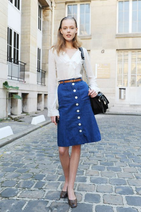 How To Style Button-Down Skirts 2020 - OnlyWardrobe.c