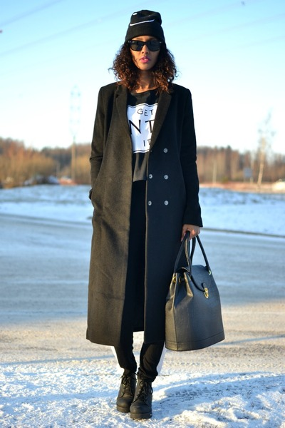 Black H&M Maxi Coat - How to Wear and Where to Buy | Chictop