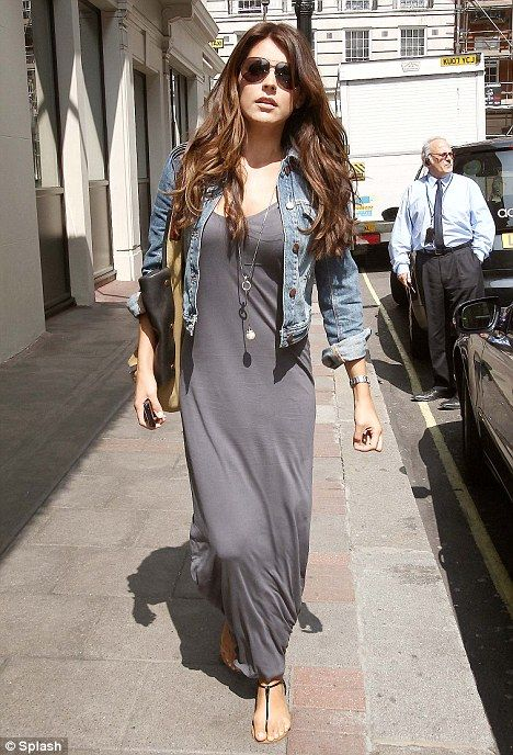 Hot Trend: Denim Jacket over maxi dress!!! | Casual dress outfits .