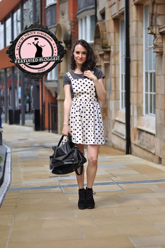 How to Wear a Pinafore Dress: 5 Chic Outfi