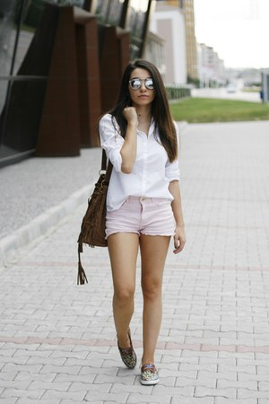 Light Pink Shorts - How to Wear and Where to Buy | Chictop