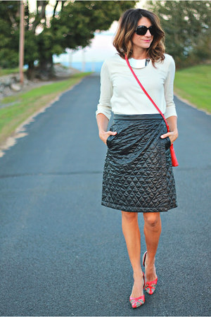 Uniqlo Quilted Skirt - How to Wear and Where to Buy | Chictop