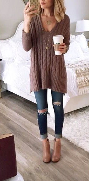 How To Wear A Slouchy Sweater 2020 | FashionTasty.c