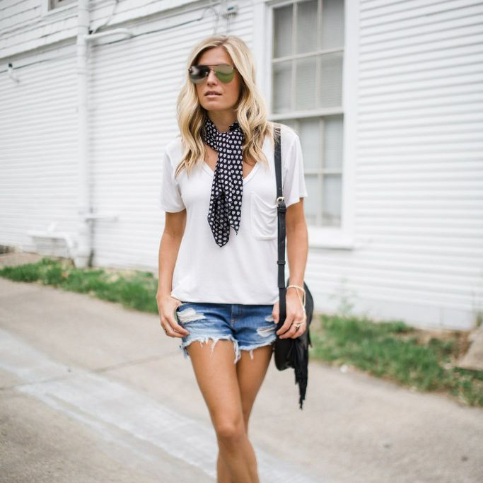 23 Chic Ways to Wear a Summer Sca