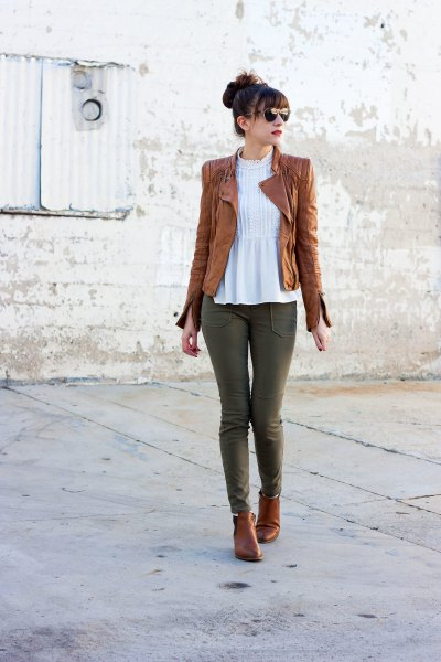 How to Wear Tan Leather Jacket: 15 Stylish Outfit Ideas for Women .