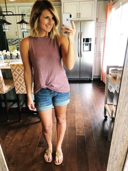 Cute and casual outfit for Summer // Cute Amazon Top // Twist .
