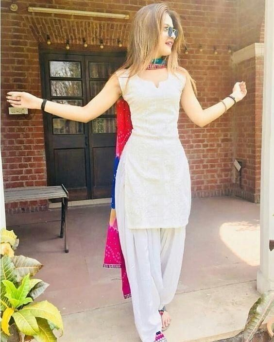 30 Ideas On How To Wear White Shalwar Kameez For Women in 2020 .