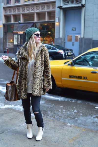 How to Wear White Snow Boots: 15 Cute Outfit Ideas for Ladies .