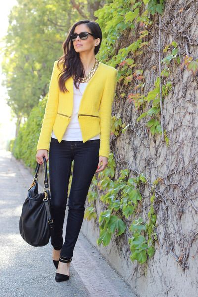 How To Wear A Yellow Blazer | Yellow blazer outfit, Yellow blazer .