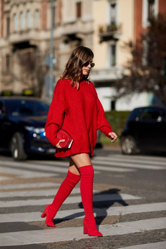 Knitted sweater dress red toes