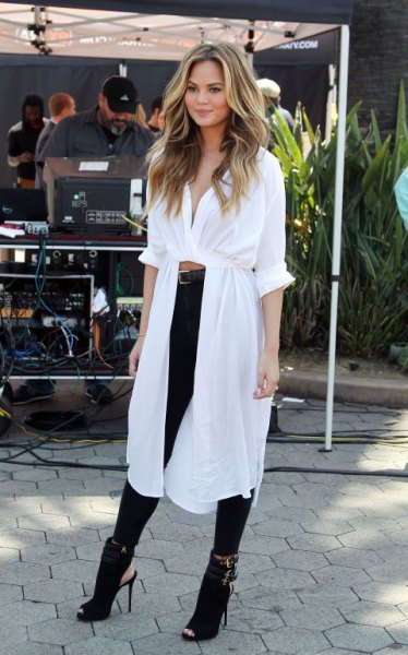 knotted white shirt with buttons and open toe boots