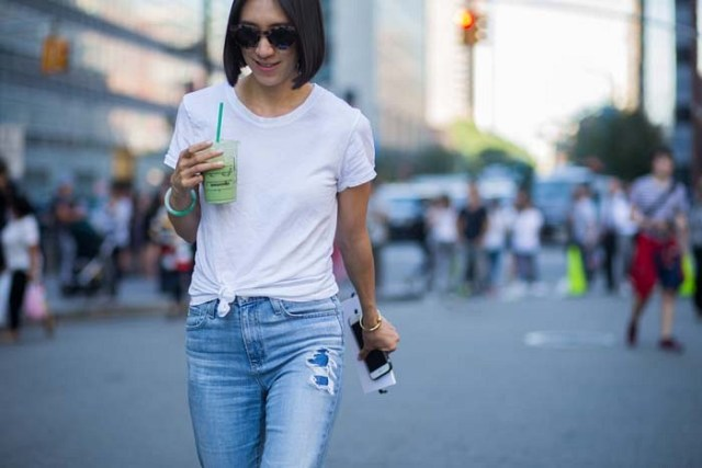 knotted white t-shirt boyfriend jeans
