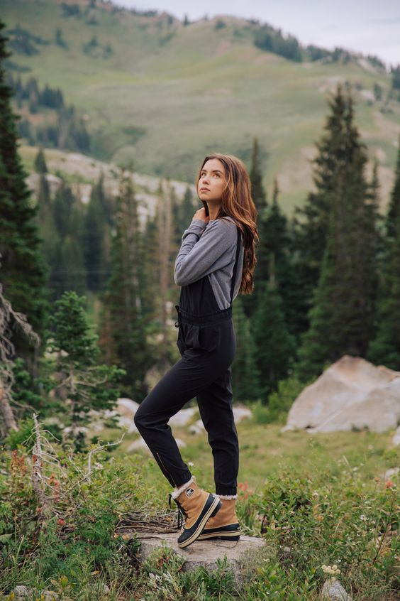 Leather hiking boots overall