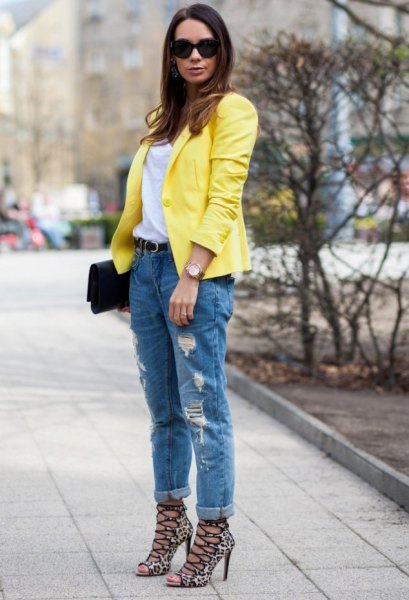 Lemon yellow blazer with boyfriend jeans with cuff